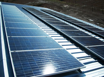 commercial-roof-solar-panel-installation